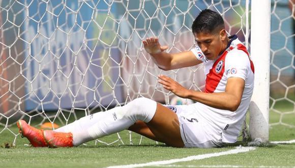 Alexis Cossio falló dos goles abajo del arco y sin marca en menos de dos minutos.