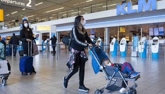 Según el Consejo Internacional de Aeropuertos, durante el primer trimestre del año hubo una pérdida de 40 millones de pasajeros en los aeropuertos del mundo. (Foto: EFE / EVERT ELZINGA)