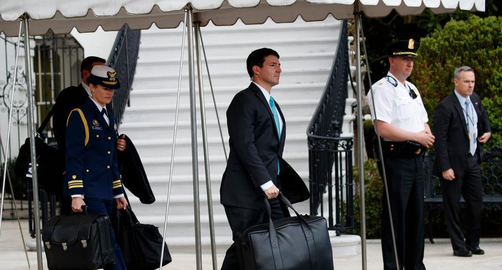 Sean Conley (centro), un veterano de la Marina de Estados Unidos, es un médico osteópata y entró a la Casa Blanca en mayo del 2018. (Foto: AP)