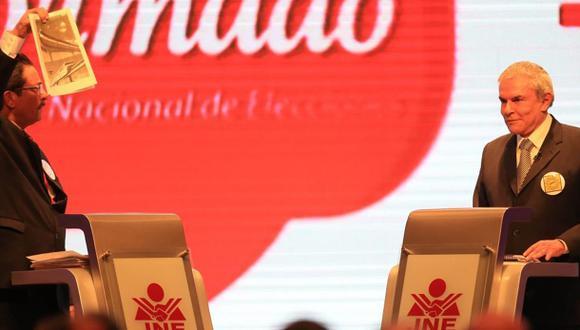 Enrique Cornejo y Luis Castañeda en el debate municipal. (Foto: El Comercio/ Lino Chipana)