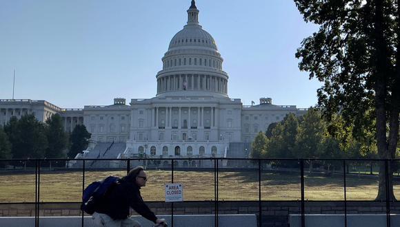El Capitolio de Estados Unidos visto el 19 de septiembre de 2021, con cercas y áreas cerradas al público. (DANIEL SLIM / AFP).