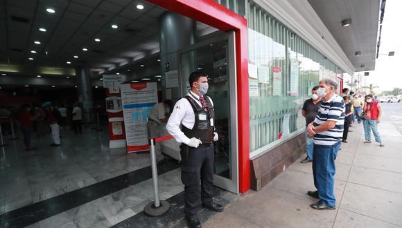 El pago de la primera etapa en agencias del Banco de la Nación se inició el pasado 29 de marzo, mientras que la segunda etapa comenzará el próximo 7 de mayo. (Archivo / GEC)