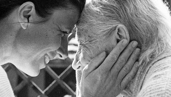 De acuerdo con el Ministerio de Salud, en nuestro país más de 200 mil personas mayores de 60 años padece de Alzheimer.