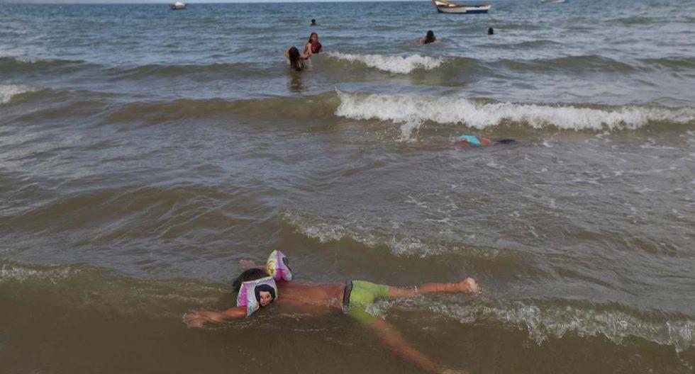 Los niños juegan en la orilla de la playa en el área de La Salina, desde donde Maroly y sus familiares subieron a bordo de un barco de contrabandistas. (Foto: Reuters)