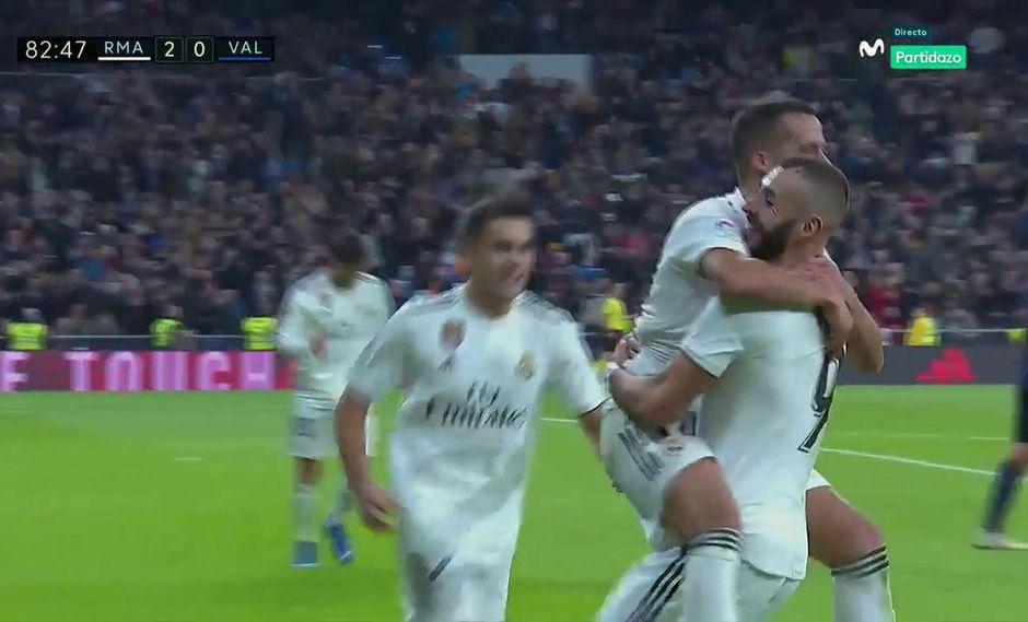 Lucas Vázquez colocó el 2-0 minutos después de que el arquero del Real Madrid evitara el empate transitorio del Valencia con una atajada con el rostro. (Foto: captura de video)