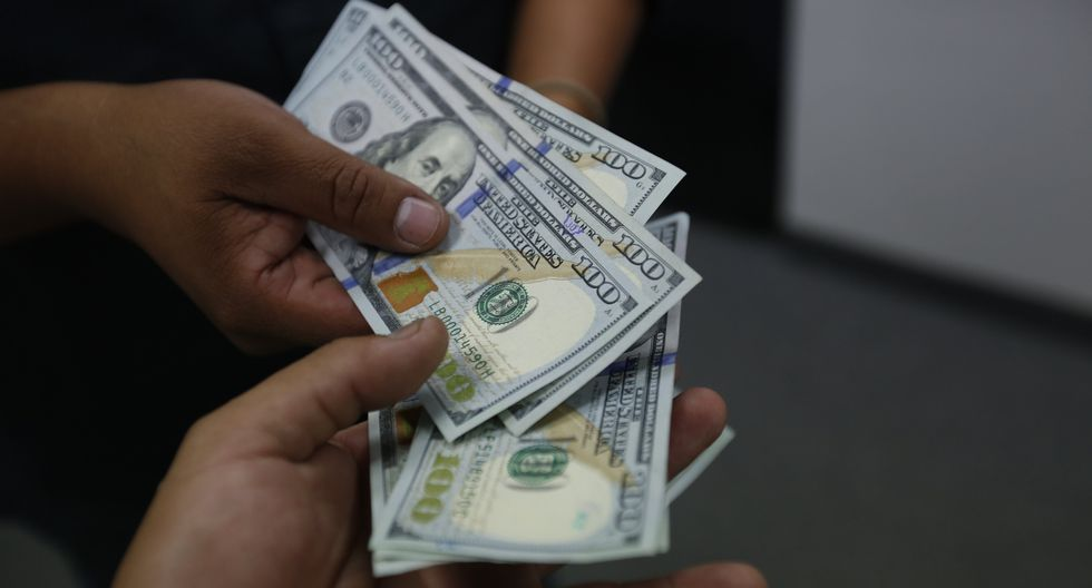 En el mercado paralelo o casas de cambio de Lima, el tipo de cambio se cotiza a S/3,460. (Foto: GEC)