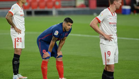 Con el 'Pistolero' en cancha, Atlético perdió 1-0 en campo de Sevilla y quedó a solo tres puntos del Real Madrid. (Foto: AFP)