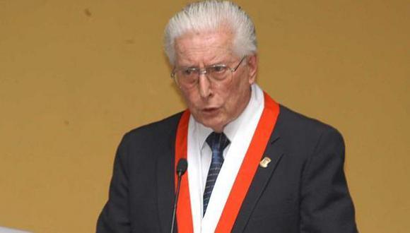 Javier Alva Orlandini llegó a presidir el Senado y fue presidente del Tribunal Constitucional. (Foto: GEC)
