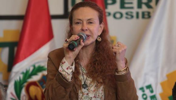 """Eliane Karp: """"Mientras exista mafia, no volveremos al Perú"""""""