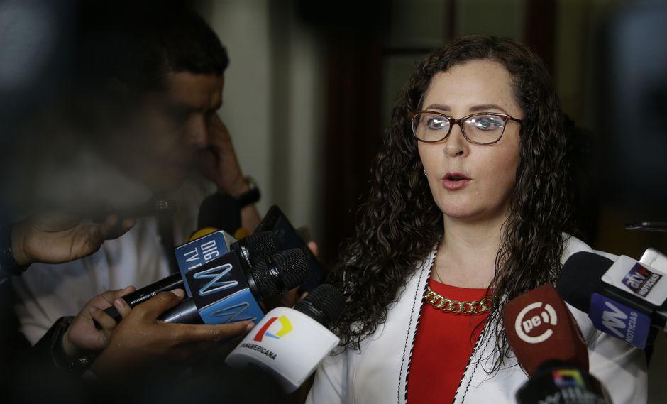 """""""Fuerza Popular va a seguir trabajando y va a seguir cumpliendo el encargo que el pueblo peruano le ha dado"""", señaló Rosa Bartra. (FOTO: USI)"""