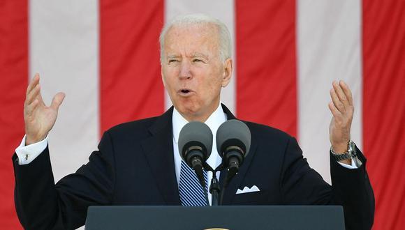 El presidente de Estados Unidos, Joe Biden, pronuncia un discurso en la 153 celebración del Día Nacional de los Caídos en el Cementerio Nacional de Arlington el 31 de mayo de 2021. (Foto de MANDEL NGAN / AFP).