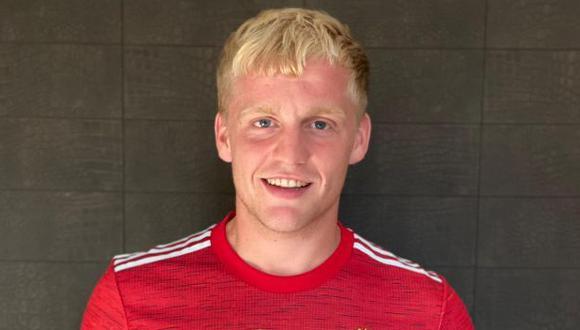 Donny van de Beek firmó contrato con Manchester United hasta el 2025. (Foto: Manchester United)
