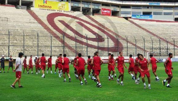 Universitario venció 2-1 a equipo de la Agremiación en amistoso