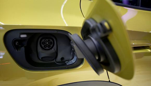 Chero indicó que se debe contar con una serie de incentivos, tanto para la adquisición como para el uso de los vehículos eléctricos e híbridos.