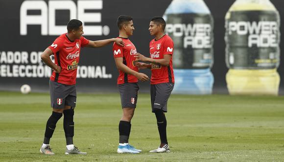 Pacheco, Chávez y Quevedo en un entrenamiento de la Sub 23. (Foto: Leandro Britto)