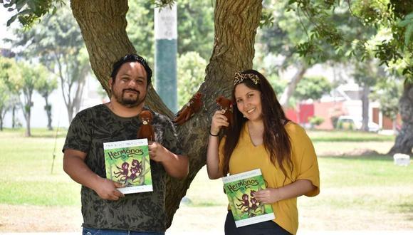 """Los escritores Karina de la Vega y Armando Alzamora, responsables de """"Hermonos"""", el último lanzamiento de Colmena Editores. (Foto: Machi Molina)"""