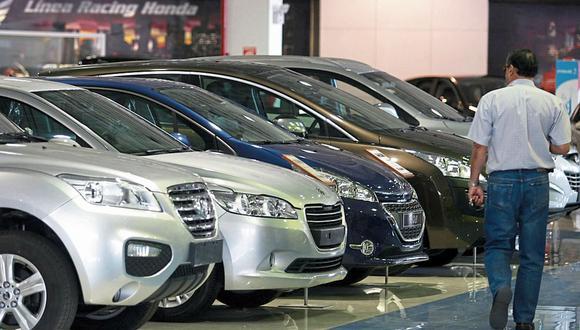 La industria automotriz experimentó una menor caída que en los meses anteriores. (Foto: Julio Angulo / GEC)
