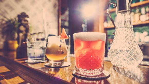 El whisky y el limón se unen en una bebida con sabor ácido que no puedes dejar de probar. ( Foto: master1305 / freepik)