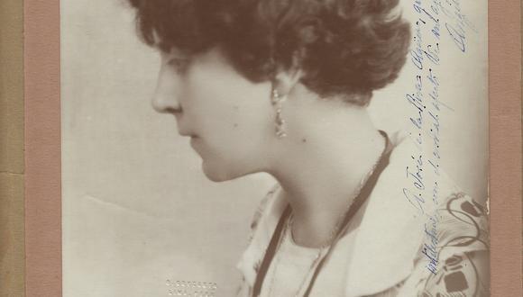"""La escritora y periodista Angélica Palma (1878-1935) es una de las 11 mujeres destacadas en la exposición """"21 intelectuales peruanos del siglo XX"""".  (Foto: Fondo Riva-Agüero. AHRA-IRA-PUCP)"""