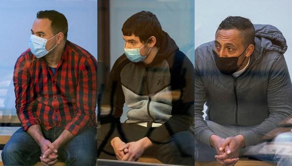 De izquierda a derecha, los acusados Said Ben Iazza, Mohamed Houli Chemial y  Driss Oukabir durante el inicio del juicio en la Audiencia Nacional en San Fernando de Henares, Madrid. (EFE).