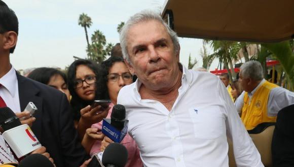 El alcalde Luis Castañeda Lossio puso sobre el papel la obra Línea Amarilla. Susana Villarán le cambió de nombre pero fue culminado en la tercera gestión del líder de Solidaridad Nacional.
