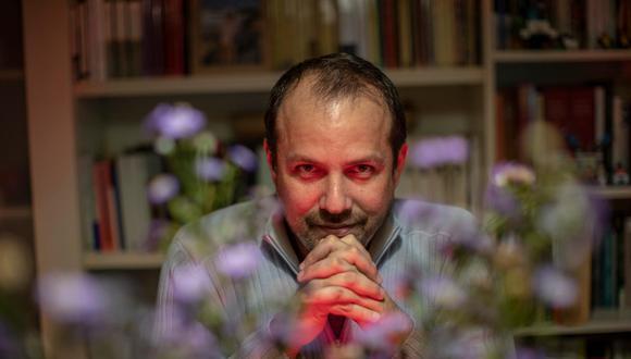 Jerónimo Pimentel (Lima, 1978), es periodista y escritor. Actualmente es editor general de la Editorial Penguin Random House Perú y columnista de El Dominical. (FOTO: ANTHONY RAMIREZ NIÑO DE GUZMAN)