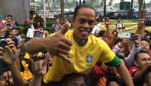 ¿De dónde y quién es esta persona que se parece a Ronaldinho?