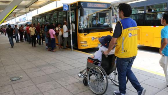 Las personas con discapacidad severa pueden viajar gratis en el Metropolitano y los Corredores Complementarios | Foto: Andina / Referencial
