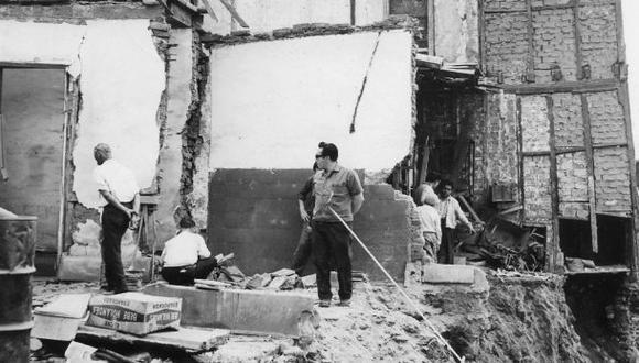 Imagen del 21 de octubre de 1966, a tres días del sismo de 7,5 grados que causó destrozos en Lima y Huaura. Fue recién en 1970 que se emitió la primera normativa de ingeniería sismorresistente en el país. (Archiv