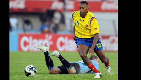 Jhon Viáfara con la selección de Colombia en un partido contra Uruguay el 9 de setiembre del 2009. (AFP).