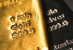 Oro sube por prevalencia de incertidumbre económica y debilidad del dólar