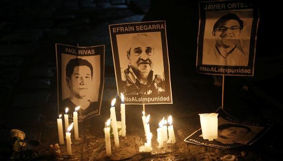 Familias de equipo de prensa asesinado en Ecuador exigen detalles de la negociación. (AFP / Cristina Vega Rhor)