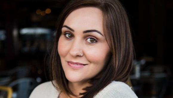La fotógrafa Sarah Midgley, de 37 años y madre de dos hijas, fue violada hace casi una década por su exnovio. Foto: SARAH MIDGLEY, vía BBC Mundo