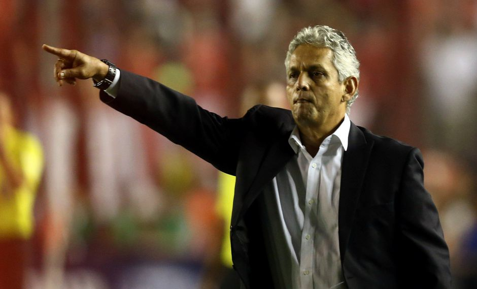 Reinaldo Rueda, técnico de Flamengo, es el principal candidato para dirigir a la selección chilena. (Foto: Reuters)