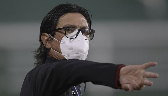 El estratega argentino afirmó que Universitario puede levantarse de esta dura derrota. (Foto: AFP)