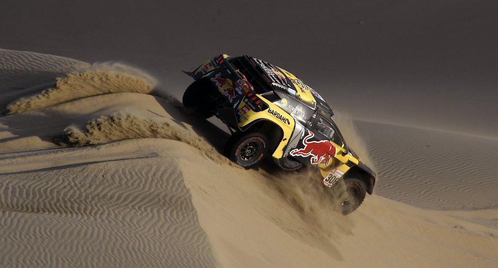 El piloto francés Sébastien Loeb (Peugeot) se adjudicó con el primer lugar de la Etapa 2 (Pisco-San Juan de Marcona) del Dakar 2019. Cronometró un tiempo de  003:26:53. (Foto: AP)
