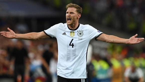 El alemán Benedikt Howedes pasó examenes médicos y sería nuevo jugador de la Juventus en las próximas horas. (Foto: AFP)