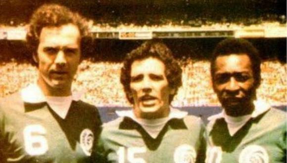 Beckenbauer, Mifflin y Pelé en el Cosmos de New York. FOTO: GEC.