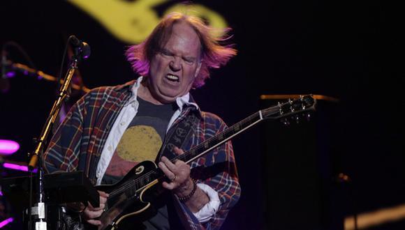 Neil Young saca su música de Spotify por mala calidad del audio