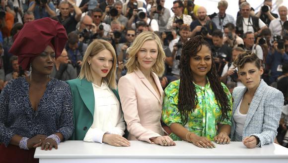 De izquierda a derecha Khadja Nin, Lea Seydoux, Cate Blanchett, Ava Duvernay y Kristen Stewart, iembros del jurado de Cannes 2018. (Foto: AP)