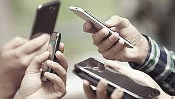 El sector de telecomunicaciones atiende un mercado de alrededor de 40 millones de líneas móviles. Hay más celulares que peruanos.