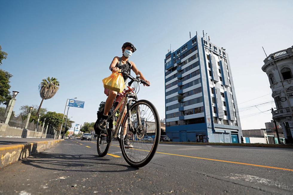 El uso de bicicletas se ha convertido en una alternativa valiosa para evitar el transporte público y el tráfico. (Foto: El Comercio)