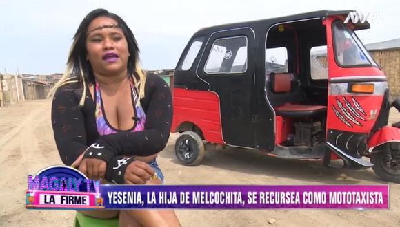 Hija de 'Melcochita' trabaja como mototaxista y vende chupetes en la calle. (Foto: Captura Magaly TV: La Firme)