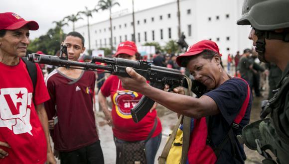Venezuela: Nicolás Maduro planea expandir a 2 millones la milicia civil armada. (EFE)