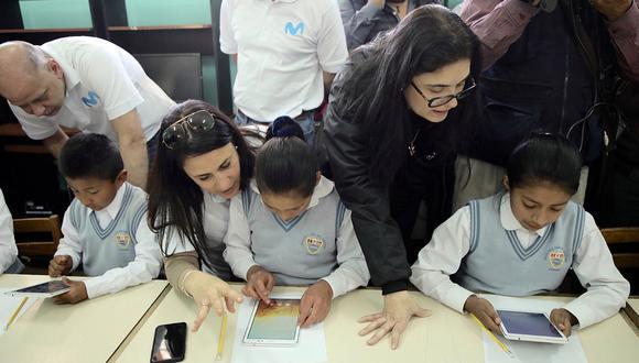 Los niños de las zonas en donde se activaron las redes regionales deberían poder usar las tabletas y avanzar con contenido escolar mientras dure la emergencia Covid-19. (Foto: Difusión)