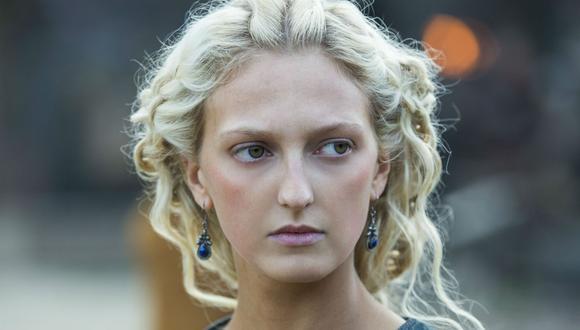 """La sexta temporada de """"Vikings"""" ve a Torvi embarazada de su cuarto hijo, el primero con su nuevo esposo Ubbe. (Foto: Netflix)"""