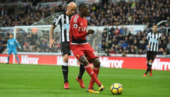 Newcastle y Watford se enfrentan HOY (10:00 a.m EN VIVO ONLINE por ESPN) en partido correspondiente a la fecha 13 de la Premier League. André Carrillo es suplente. (Foto: AFP)
