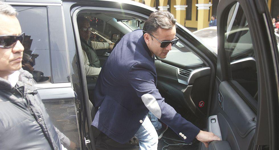 """Richard Acuña consideró que el manejo de Fuerza Popular desde el chat """"La Botica"""" perjudicó a la ciudadanía.  (Foto: Archivo El Comercio)"""