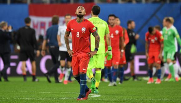 Arturo Vidal se lamenta con el rostro hacia arriba . (Foto: AFP/Reuters)