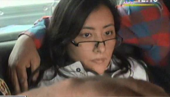Mujer acusada de millonario robo tiene nueva orden de detención